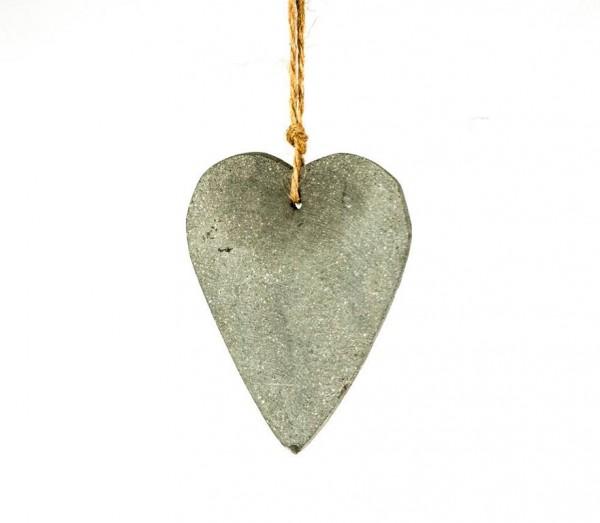 Herzanhänger aus Kunsstein
