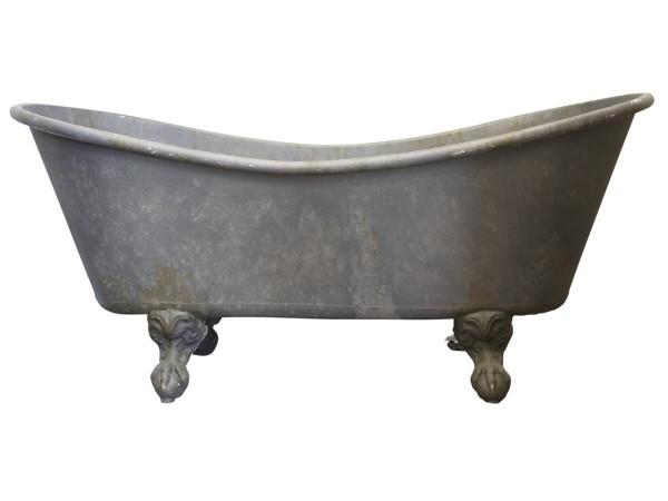 Französische Badewanne mit Löwenfuß