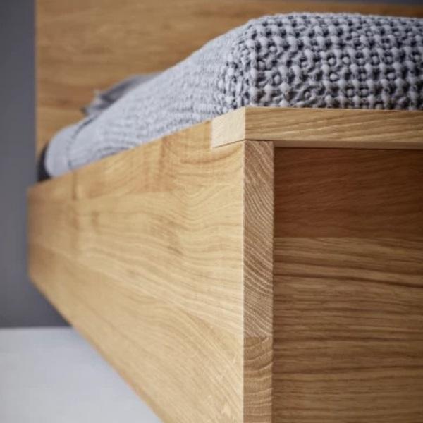 Müller Möbelwerkstätten Flai Bett Eiche massiv Detail